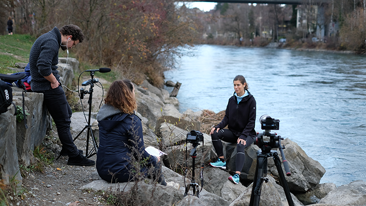 "Interview with blogger Isabelle from fitbyplants.com at the river ""Aare"" in Bern."