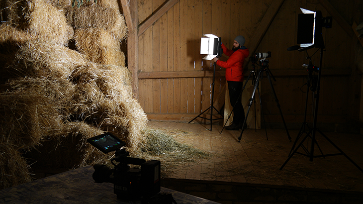 Preparation of the interview place in the storage for the straw bales.